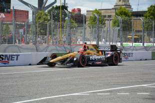 Power and Hinchcliffe share spotlight in Toronto