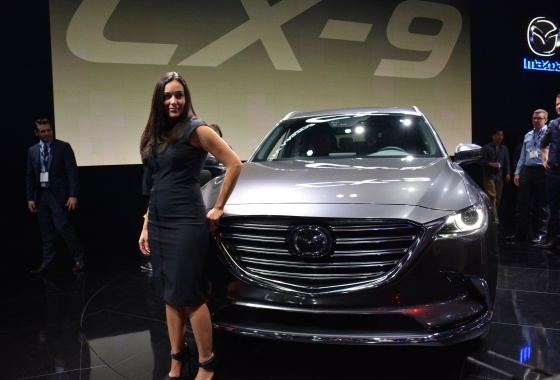 LA Auto Show: 2017 Mazda CX-9