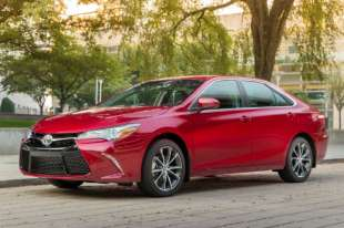 2017 Toyota Camry - Fuel Economy Review + Fill Up Costs
