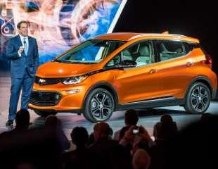2017 Chevrolet Bolt walkaround at CIAS